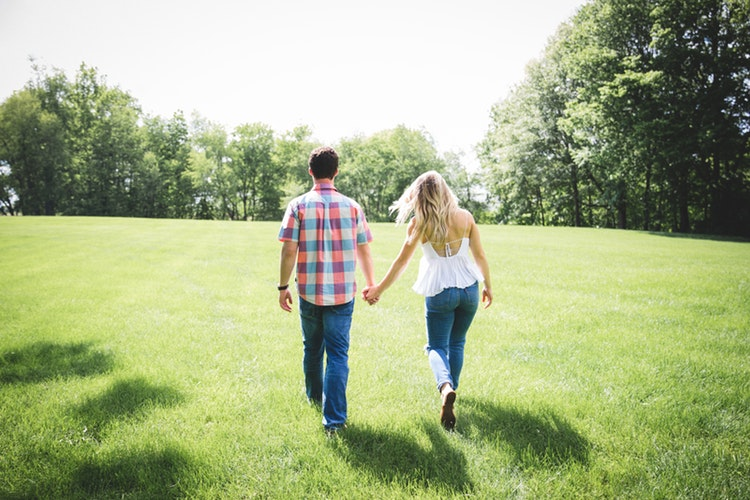 Romantic anniversary date ideas that can engage any couple