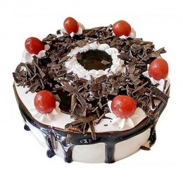 Yummiez Black Forest Cake 1 Kg Eggless