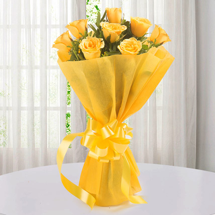 Enticing 8 Yellow Roses