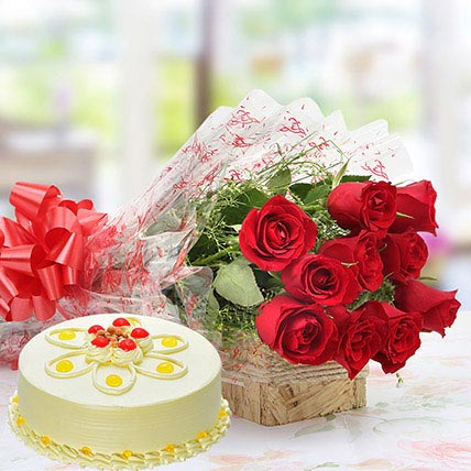 Red Roses And Butterscotch Cake Combo Eggless