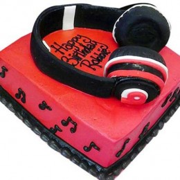Headphone Shape Cake