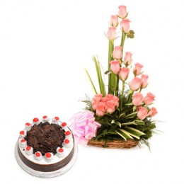 Pink Roses N Chocolate Treat