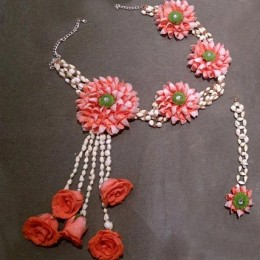 Graceful Floral Jewelry Set