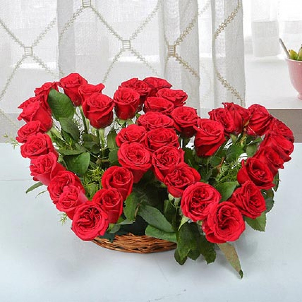 Send Twin Heart Arrangement Online From Bookmyflowers