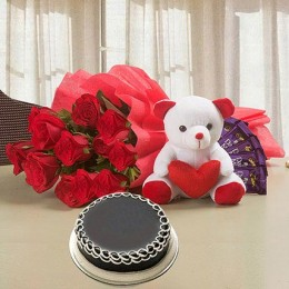Softy Roses Hamper Combo