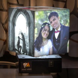 Nostalgia Cube Rotating Photo Lamp