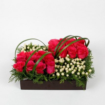 30 Pink Roses 13 Hypericum Berries Tray Arrangement