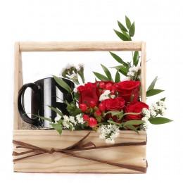 Red Roses in Basket with Black Mug Combo
