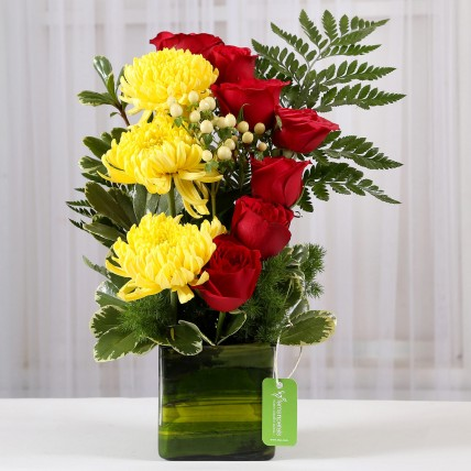 Red Roses & Yellow Disbuds in Glass Vase