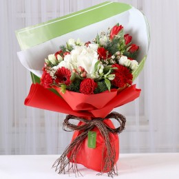Red Carnations & Gerberas Romantic Bouquet