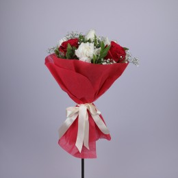 Red & White Floral Delight Bouquet