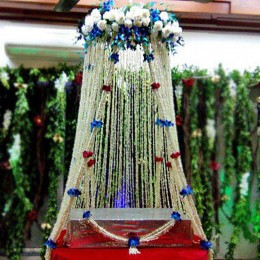 White Sparkling Flower Tower Decoration