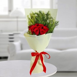 Luxurious Red Roses Bunch