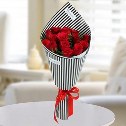 Charming Red Roses Bunch