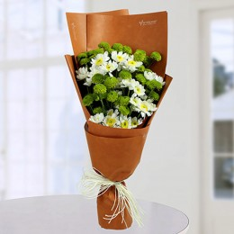 Daisy Bunch With Green Button