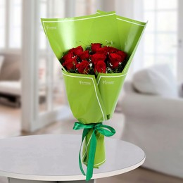 Delightful Red Roses Bunch