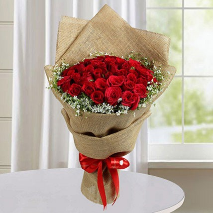 Appealing Red Roses Bunch