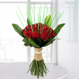 Magnificent Red Roses Bunch