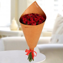 Alluring Red Roses Bunch
