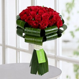 Classy Red Roses Bunch