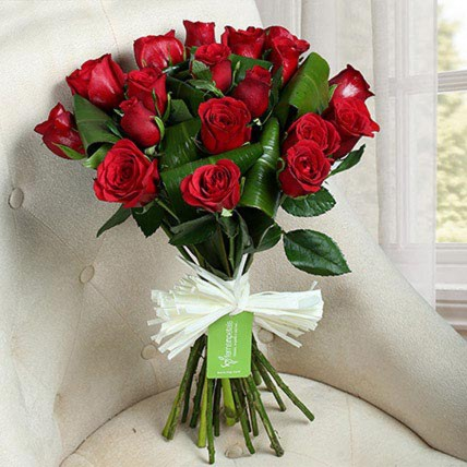 Lovely Red Roses Bunch