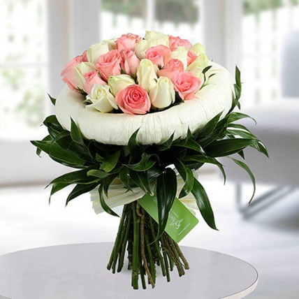 Appealing Pink N White Roses Bunch