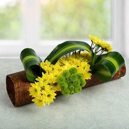Lovely Yellow Daisy Arrangement