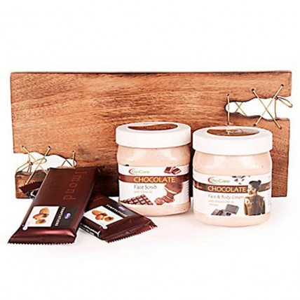Pampering With Chocolate Spa Hamper
