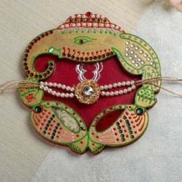 Rakhi In Crafted Thali